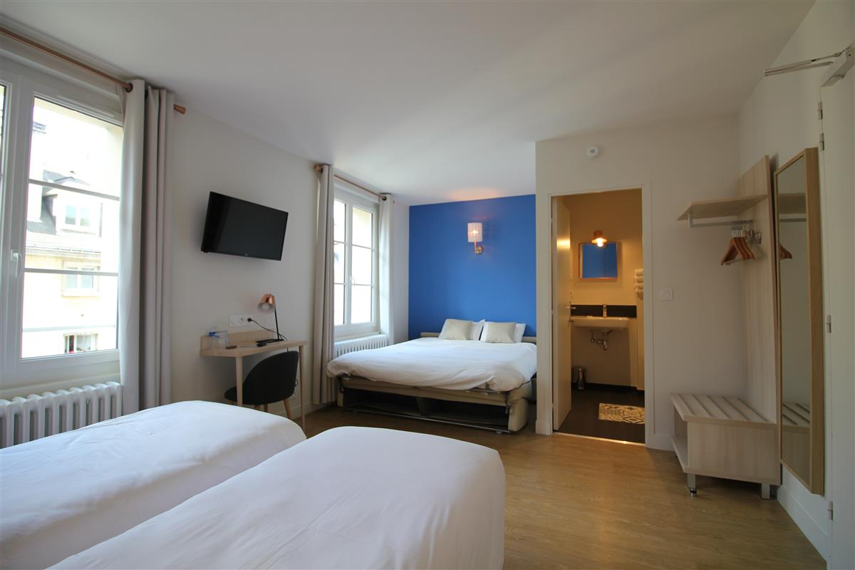 Chambre sup rieure ou familiale pour 4 personnes chambres hotel de charme caen centre ville - Hotel chambre 4 personnes ...